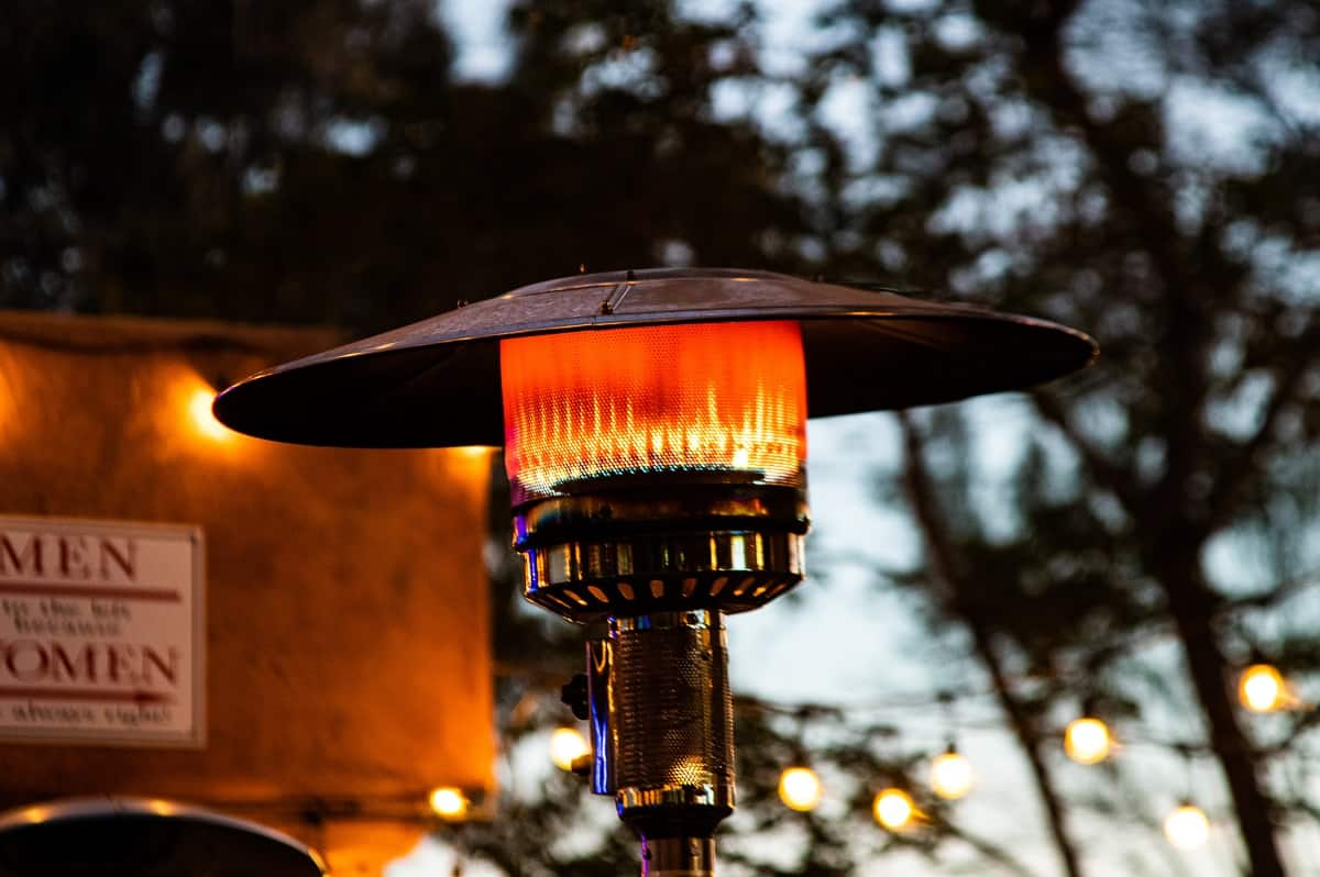 AmazonBasics Commercial Outdoor Patio Heater Review - outdoorspaceaccents.com